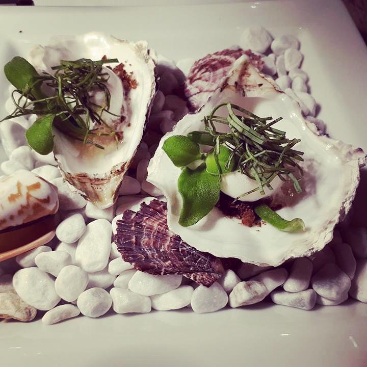 Falsche Auster Menü bei Alexander Herrmamn Foodblock Sternestulle