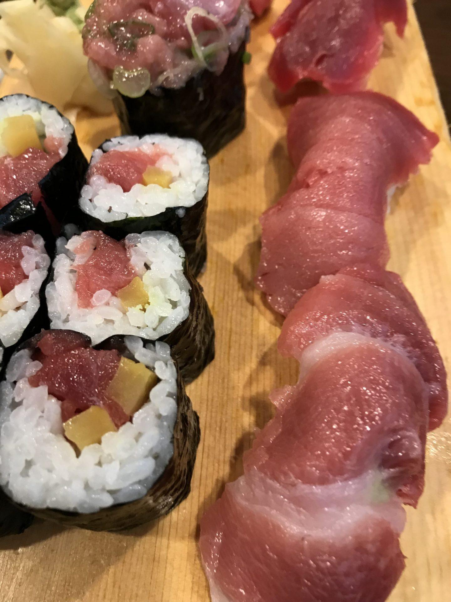 Sushi vom Thunfisch Tunfisch Restaurant Yabase Düsseldorf Erfahrung Bewertung Kritik Foodblog Sternestulle