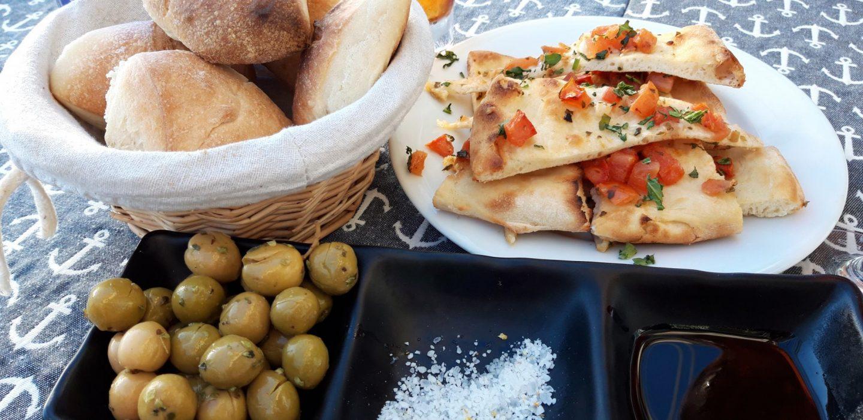 Erfahrung Kritik Bewertung Bruschetta Oliven Restaurant Almare Ciutat Jardi Palma de Mallorca Foodblog Sternestulle