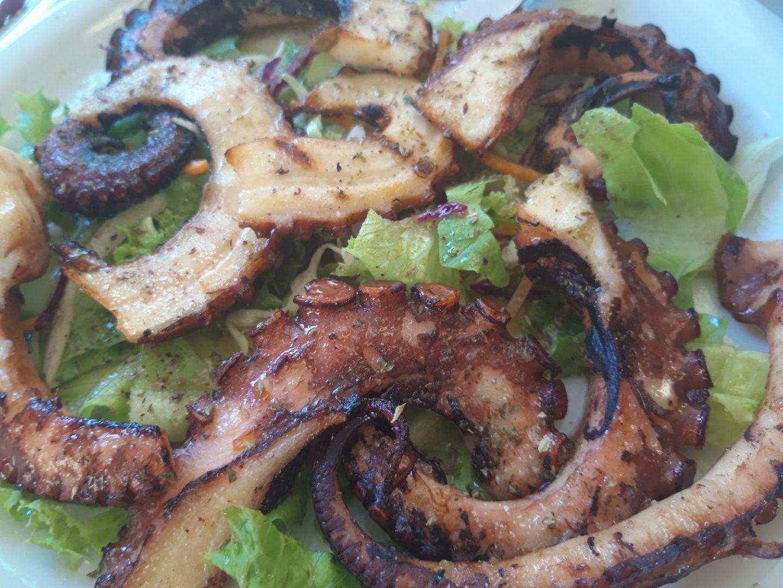Erfahrung Bewertung Kritik Taverne Moutoupaki Chania Kreta gegrillter Oktopus Foodblog Sternestulle