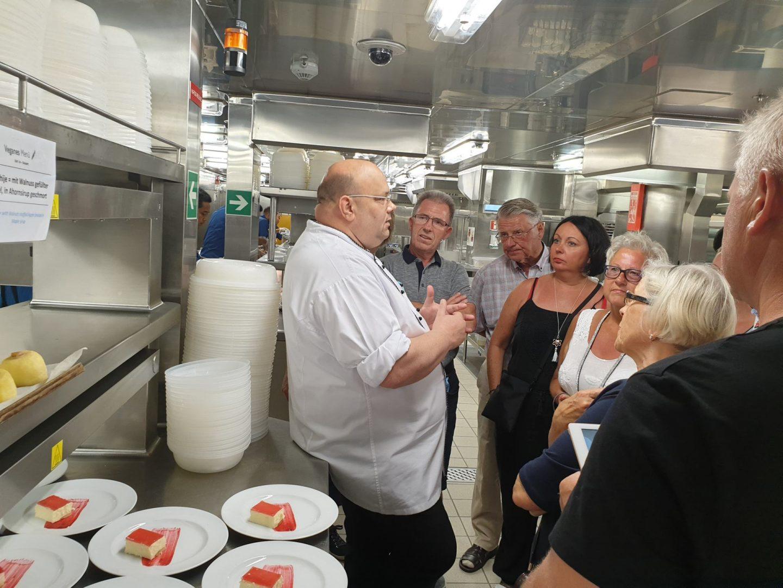 Küchenchef der Mein Schiff 6 Bodo Diedrich Hinter den Kulissen in der Küche Foodblog Sternestulle