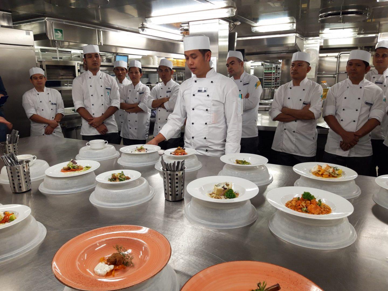 Präsentation des Menüs Küche Mein Schiff 6 Foodblog Sternestulle