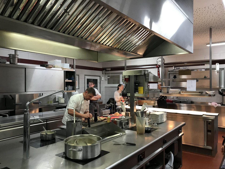 Erfahrung Bewertung Kritik In sieben Gängen um die Welt Küche Weinbergschlösschen Oberheimbach Foodblog Sternestulle