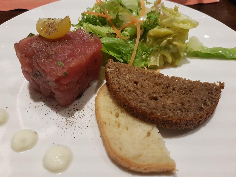 Erfahrung Bewertung Kritik Gourmetpaket Mein Schiff Surf and Turf Steakhouse Thunfischtatar Tunfischtatar Foodblog Sternestulle