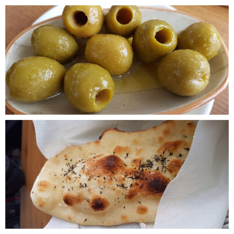 Erfahrung Bewertung Kritik El Racó Barcelona Oliven Pizzabrot Foodblog Sternestulle