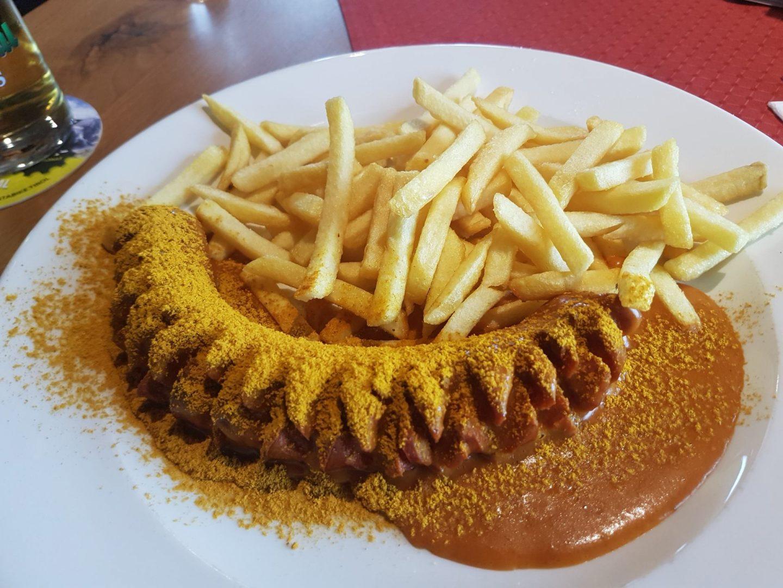 Erfahrung Bewertung Kritik Wurmegg Hochleger Auffach Skijuwel Wildschönau Alpbachtal Currywurst mit Pommes Foodblog Sternestulle