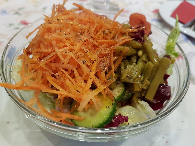 Erfahrung Bewertung Kritik Pizzeria Don Camillo Reith im Alpbachtal Salat Foodblog Sternestulle