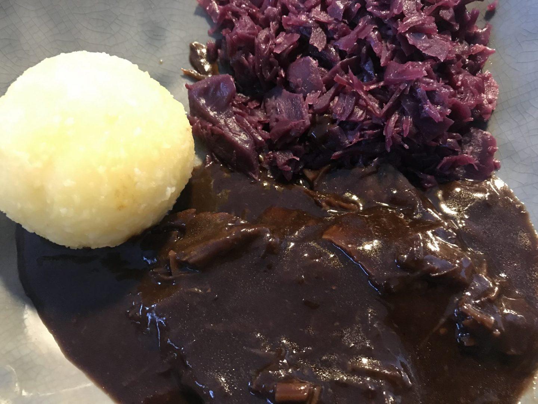 Erfahrung Bewertung Kritik Ollis Restaurant zum Mitnehmen Sauerbraten Rotkohl Klöße Foodblog Sternestulle