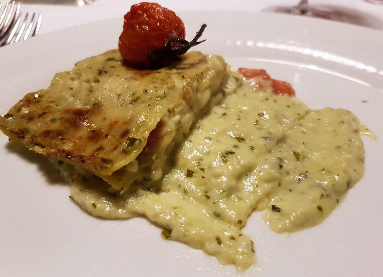 Erfahrung Bewertung Kritik Hotel Kristiania Wolkenstein Lasagne Pesto Tomate Foodblog Sternestulle