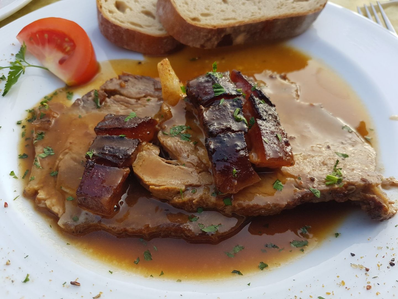 Erfahrung Bewertung Kritik Liftcafe Heisn Reith im Alpbachtal Krustenbraten vom Schwein Foodblog Sternestulle