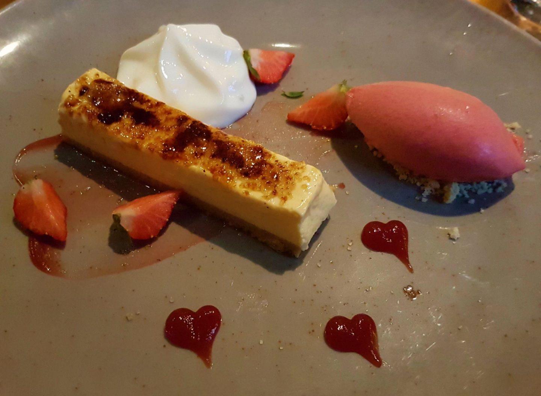 Erfahrung Bewertung Kritik Mein Schiff 2 Gourmetpaket Creme brulée mit Erdbeersorbet Foodblog Sternestulle