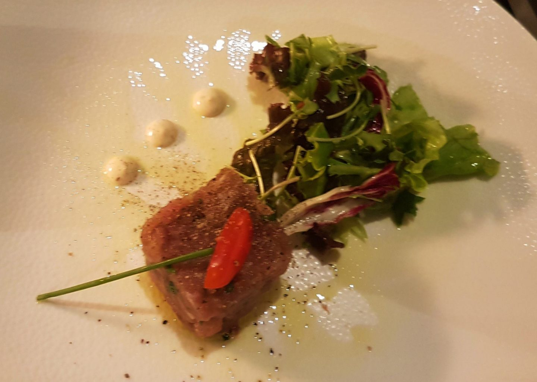 Erfahrung Bewertung Kritik Surf & Turf Tatar vom Thunfisch Mein Schiff 2 Gourmetpaket Foodblog Sternestulle