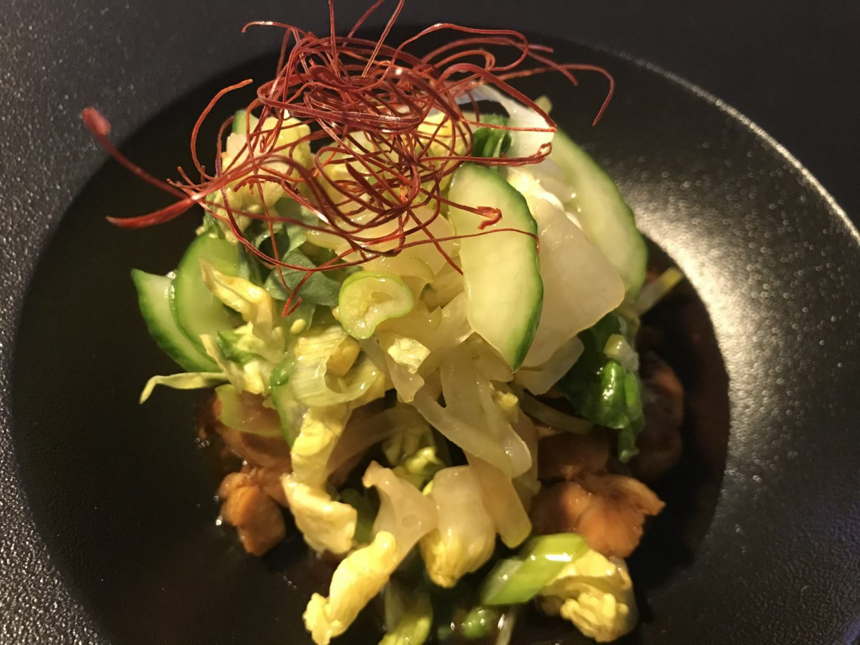 Erfahrung Bewertung Kritik Fu Kin Great by Tim Raue Vorspeise Huhn mit Gurkensalat Foodblog Sternestulle