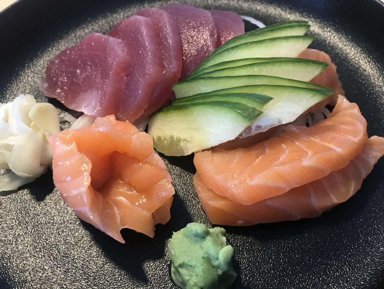 Erfahrung Bewertung Kritik Aosora Sushi Bochum Sashimi Lachs und Thunfisch Foodblog Sternestulle