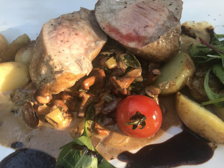 Erfahrung Bewertung Kritik Ollis Restaurant Herne Filet vom Duroc Schwein Pfifferlinge a la Creme Foodblog Sternestulle